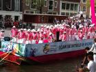 Amsterdam se pinta de colores en desfile de botes por orgullo gay